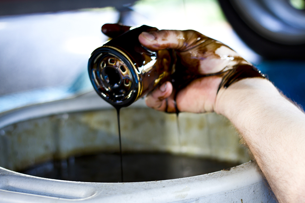 Should Engine Oil Be Replaced Every Time the Oil Filter is Replaced?