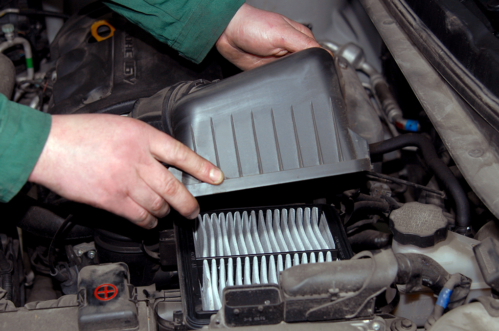 Air Intake Manifold >> What Happens To An Engine When The Air Filter Allows ...